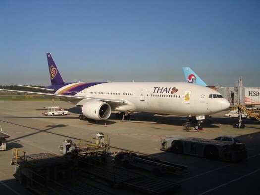 800px-THAI_Boeing_777-200_HS-TJB