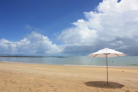 praia do espelho caraiva