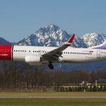 800px-Norwegian_Air_Shuttle_in_Salzburg_with_Kirsten_Flagstad_on_tail