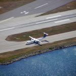 800px-Bombardier_Dash_8_taxiing_at_Toronto_Island_Airport
