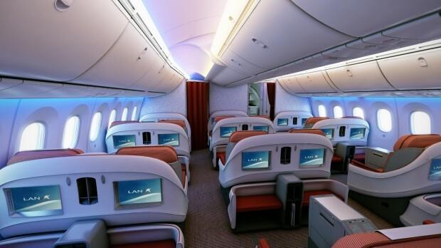 LAN_787_Business_Class_Fwd