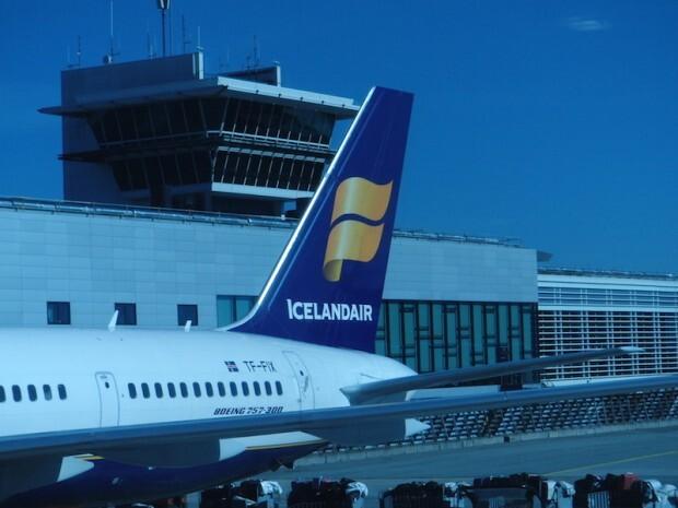 como-voar-icelandair-aeronave-cauda
