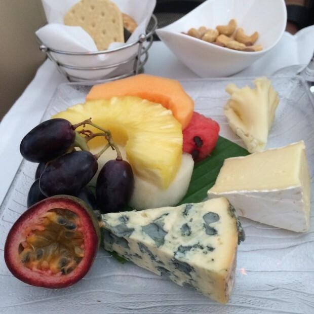 como-e-voar-na-classe-executiva-da-etihad-airlines-queijos