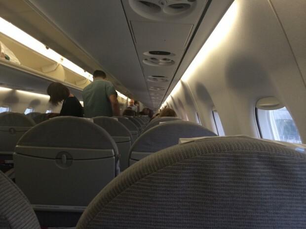 como-e-voar-finnair-aeronave-interna