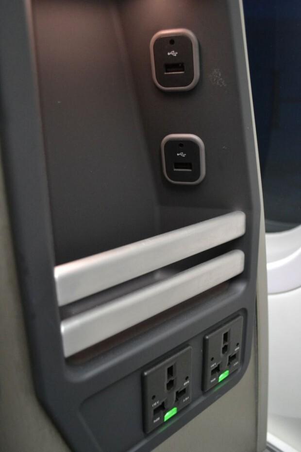 boeing-787-dreamliner-american-airlines-013