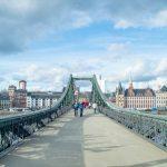 A famosa Ponte de Ferro de Frankfurt