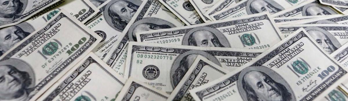 100 dólares americanos (USD)