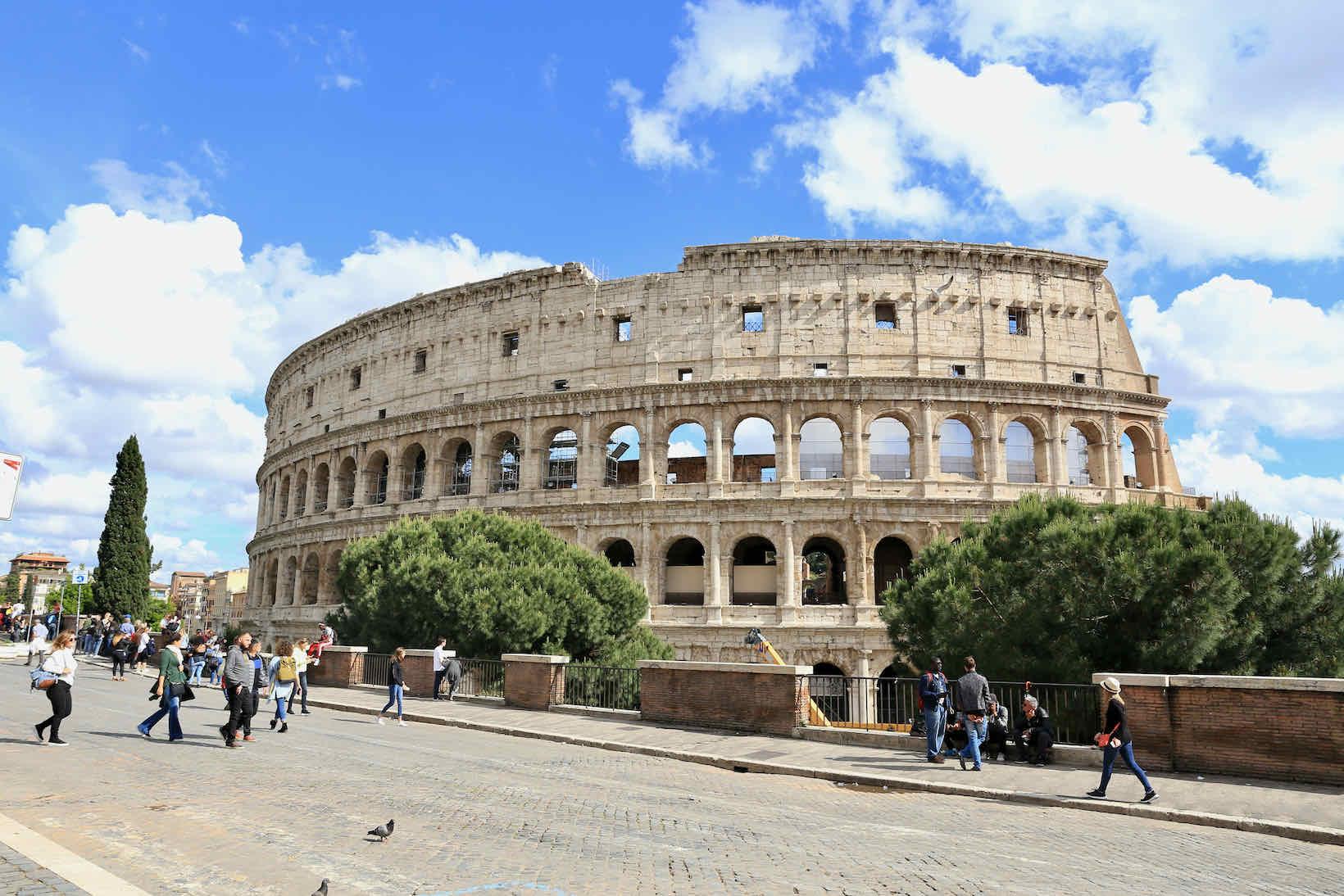 pontos turisticos de roma coliseu