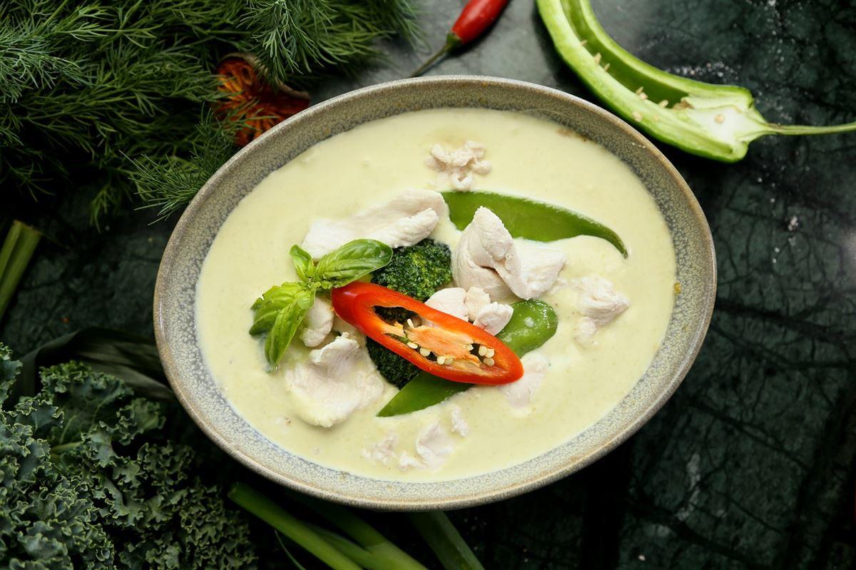 tom kha gai, comida tailandesa
