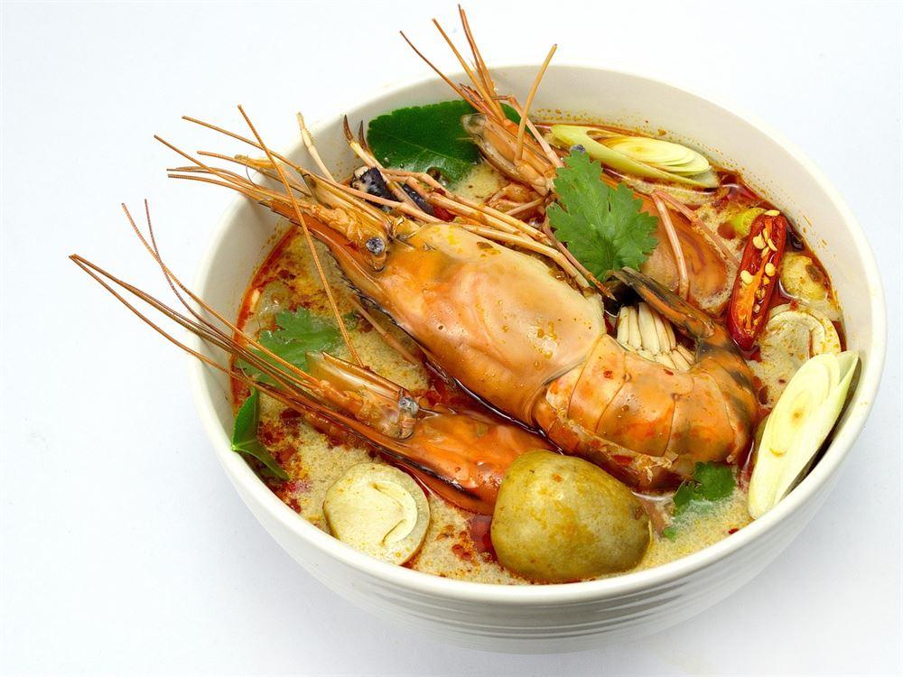 tom yum, comida tailandesa