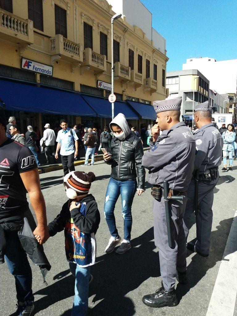 Policiamento na Rua 25 de Março