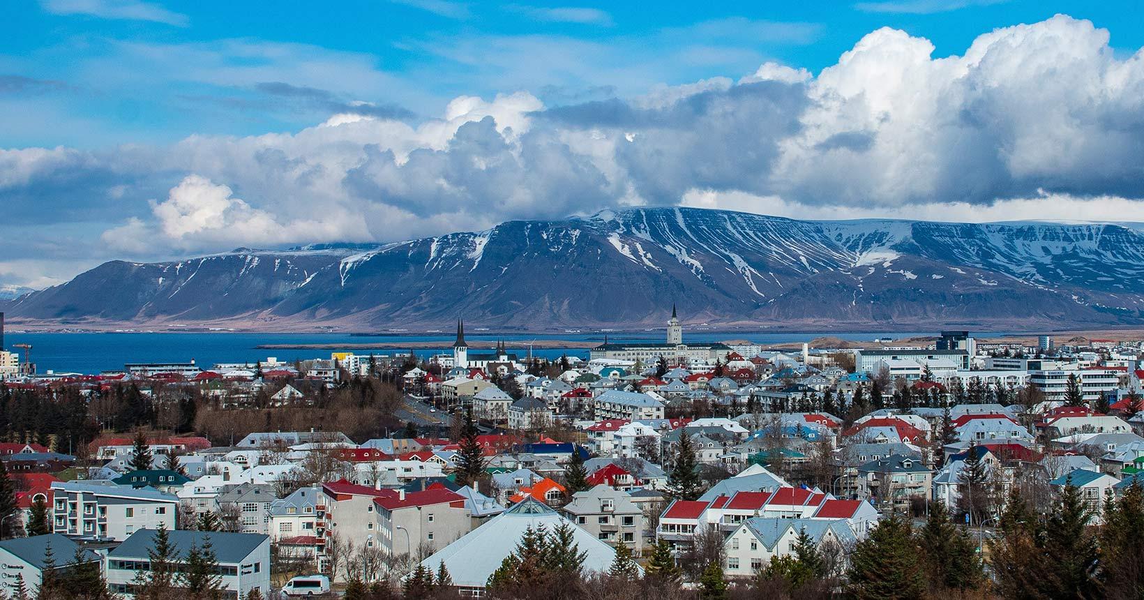 Islândia permitirá a entrada de turistas vacinados