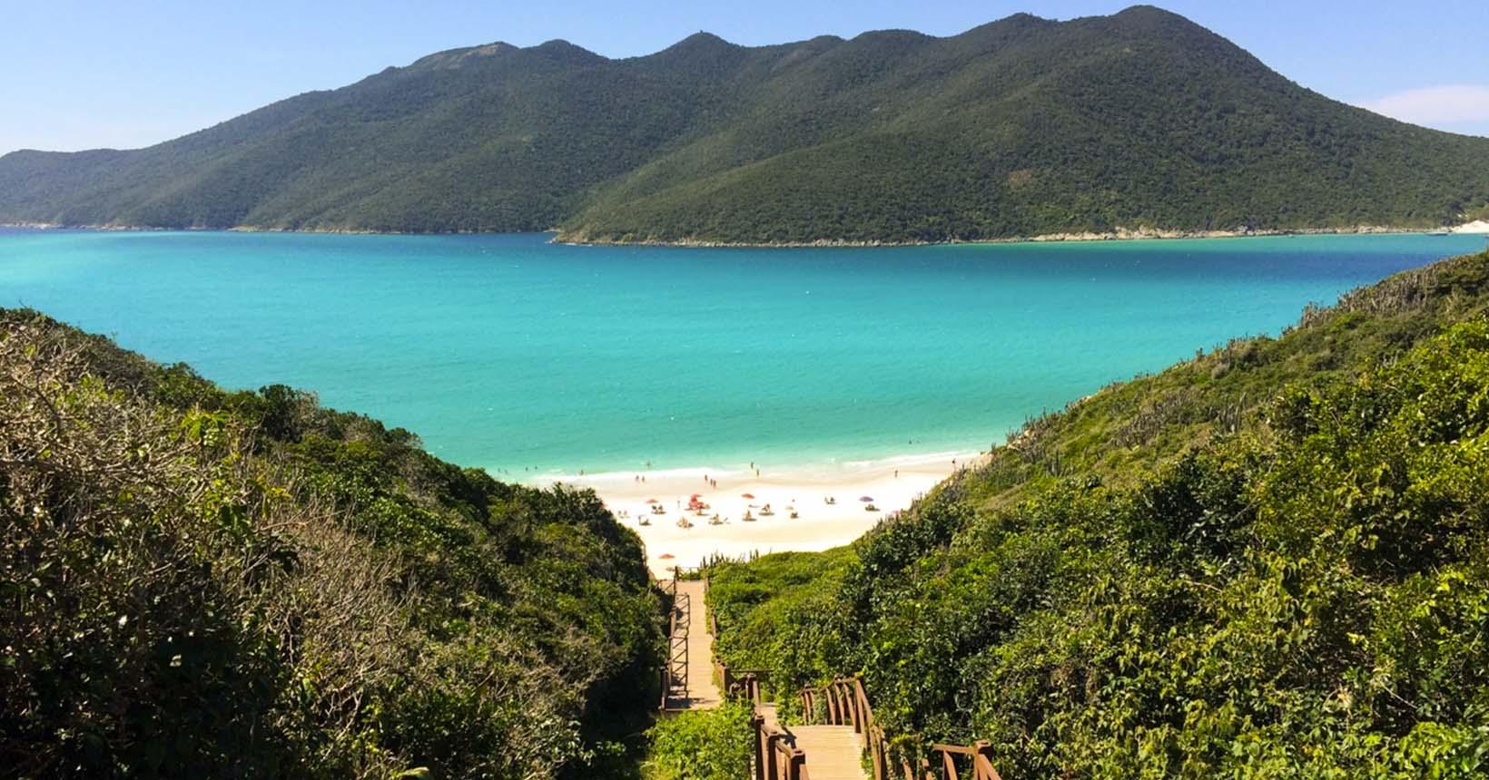 Arraial do Cabo reabriu para o turismo! Aproveite as lindas praias para  relaxar após a quarentena