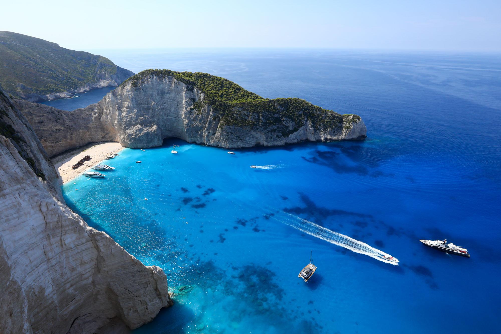 """Navagio Beach: um dos locais """"favoritados"""" e visitados na Ilha de Zakynthos"""