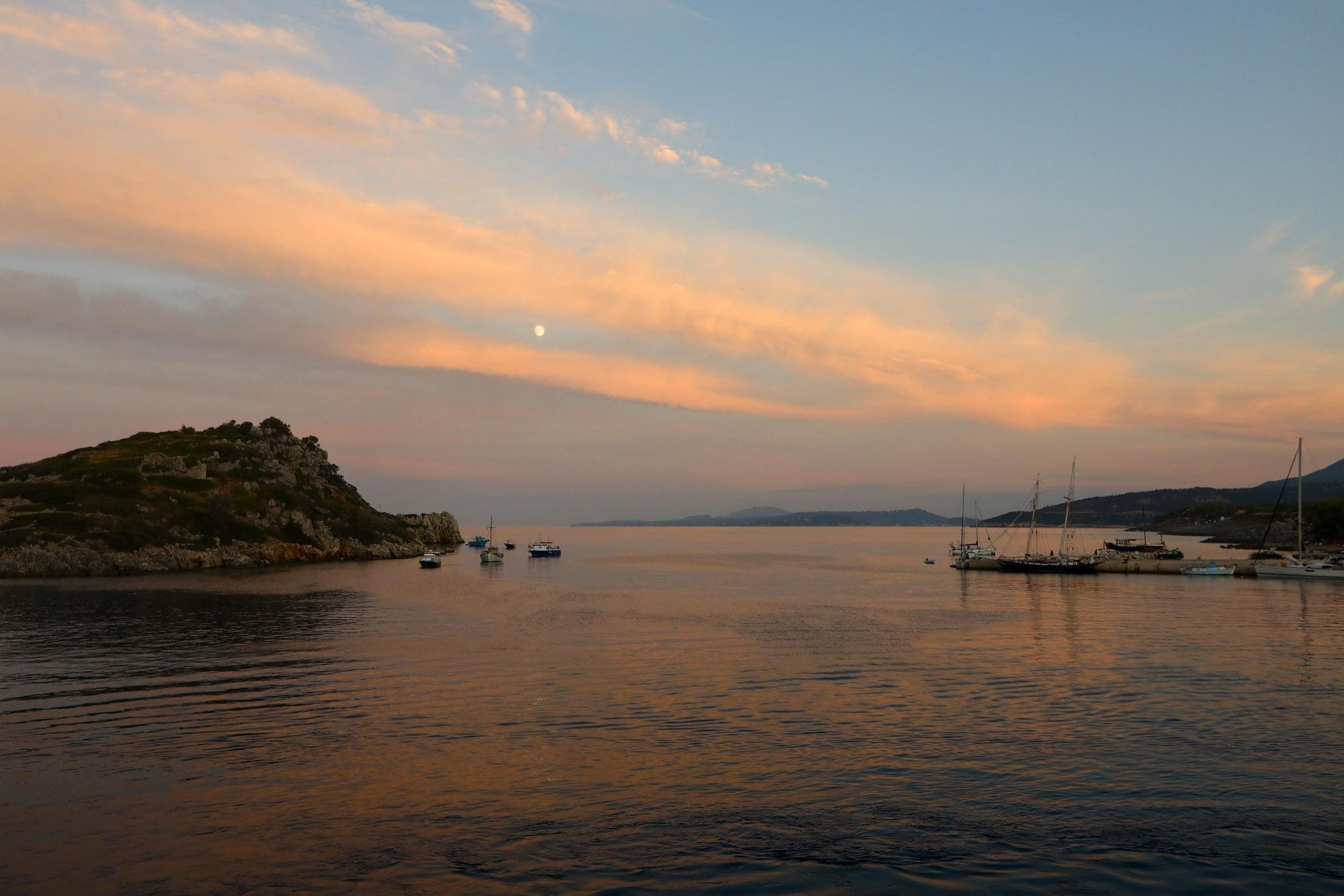 Pôr do sol na partida do ferry para Cefalônia