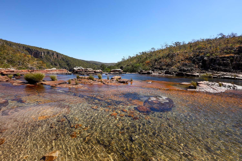 Poços ao longo da trilha da Catarata dos Couros