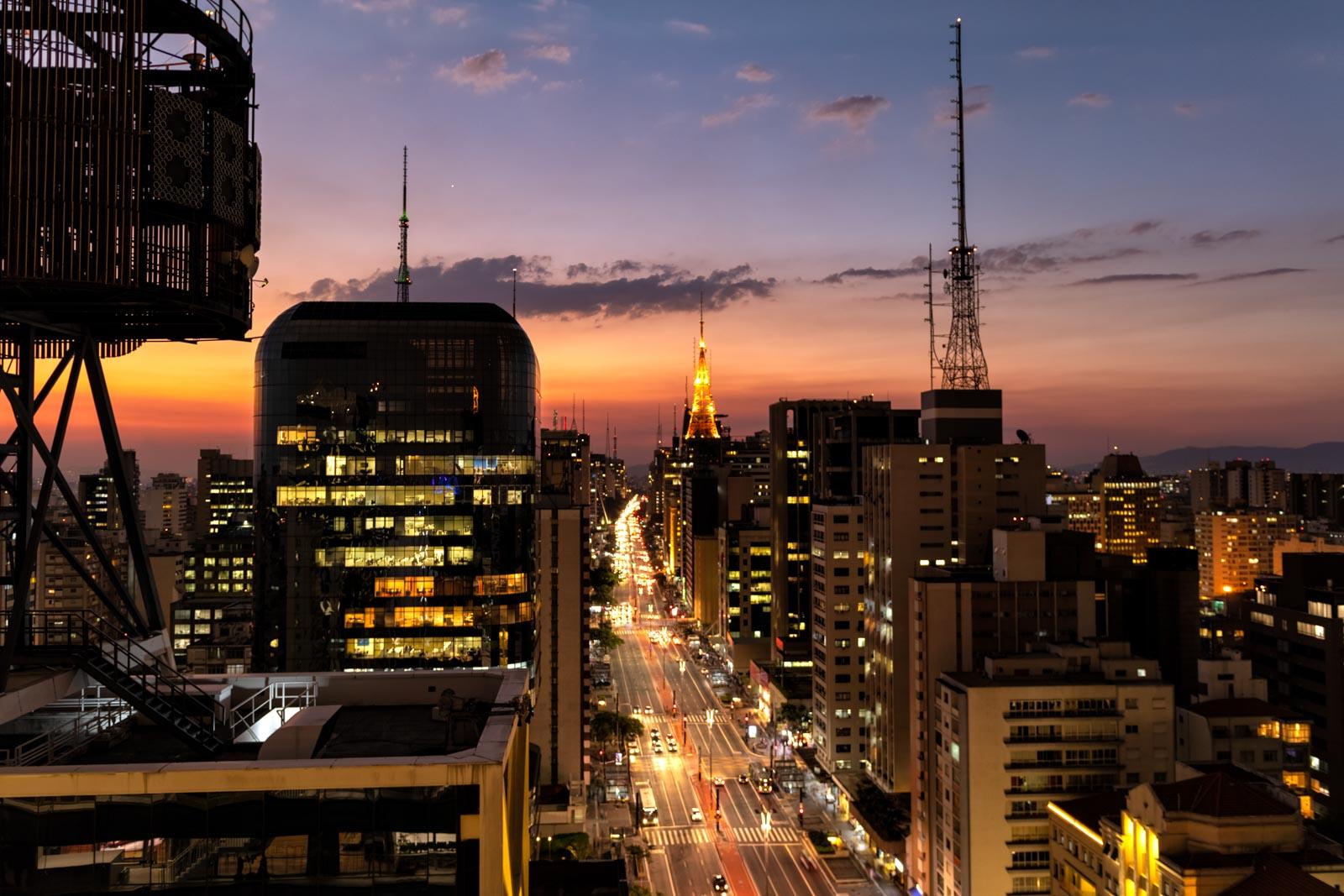 Pôr do sol na Avenida Paulista