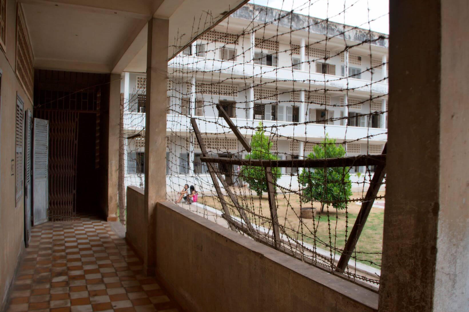 Escolas-prisões do Camboja