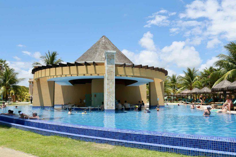 Iberostar Praia do Forte bar piscina